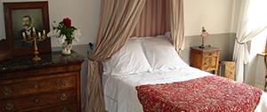 les chambres le charme aux f es. Black Bedroom Furniture Sets. Home Design Ideas
